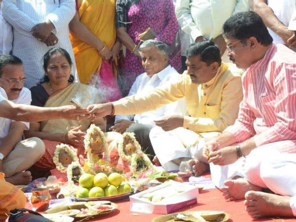 ಬಿಜೆಪಿ ನವಕರ್ನಾಟಕ ಪರಿವರ್ತನಾ ಯಾತ್ರೆಗೆ ಗುದ್ದಲಿ ಪೂಜೆ