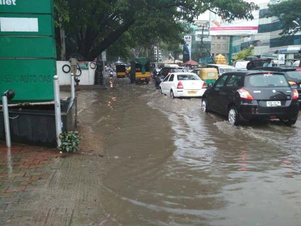 Heavy Rain In Bengaluru Few Twitter Videos