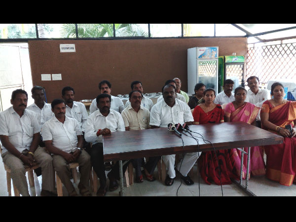 Channapatna 17 Tp Members Support Mla Cp Yogeshwar Offer Resign