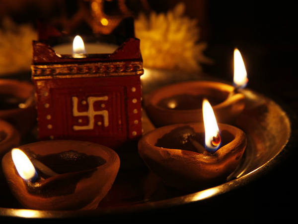 Deepavali Or Diwali Many Kannadigas Opposing Use Of The Word Diwali