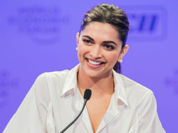 Bollywood actress Deepika comes to Davanagere for her NGO works