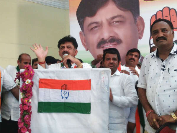 DK Shivakumar leads Congress meet at Chennapatna against CP Yogishwar