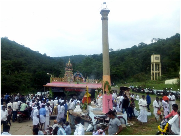 Diwali special Puja for Kongalli Mallikarjuna on the border of Tamil Nadu
