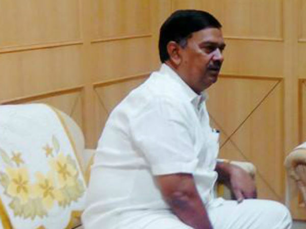 MLA Shivamurthy Naik abused IAS officer