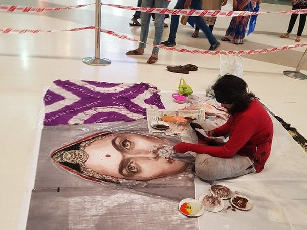 Vandalising Rangoli Of Movie Padmavati In Surat 5 Arrested