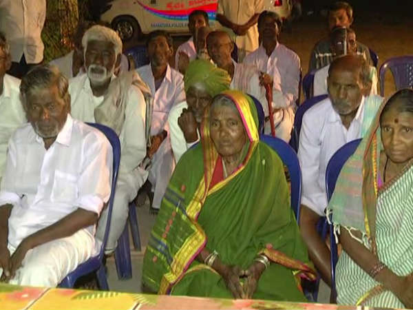Yadagiri district police celebrate Deepavali in an oldage home