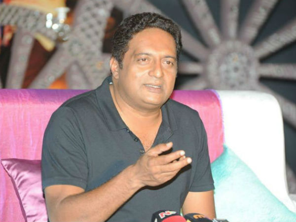 I will not join politics says Prakash Raj