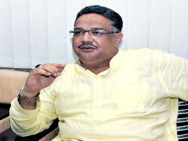 Tanveer Sait backs Private Bill on Education