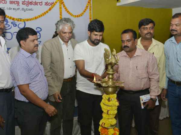 Tv channels rat race to trp pushed journalism to low level: Pratap Simha at Mysuru