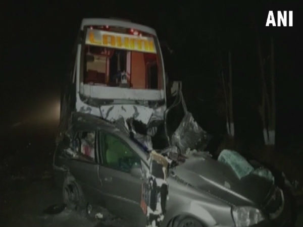 ujarat: Seven killed in a bus-car collision on Mehsana-Unjha Highway