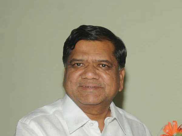 Vinay Kulkarni should resign from moral responsibility: Jagadish Shettar