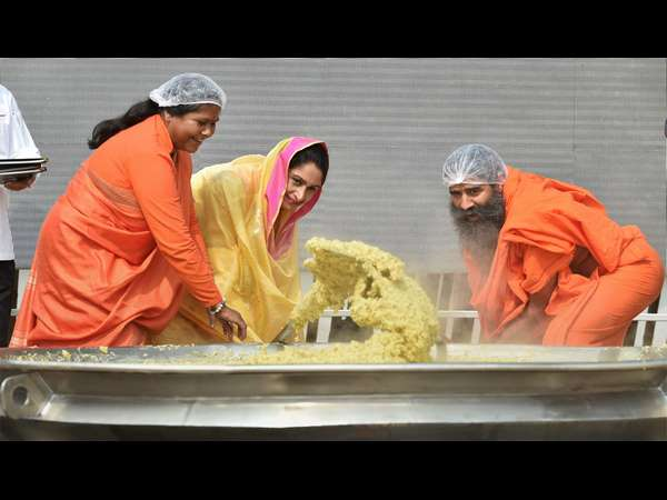Chef Sanjeev Cooked Khichdi In A Giant Wok