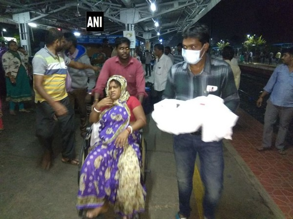 AP: Woman gives birth in Nellore Railway station