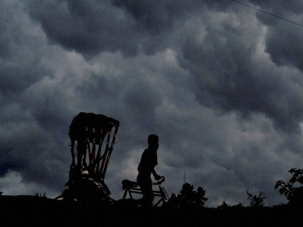 Cyclone Effect : Rain expected in Karnataka