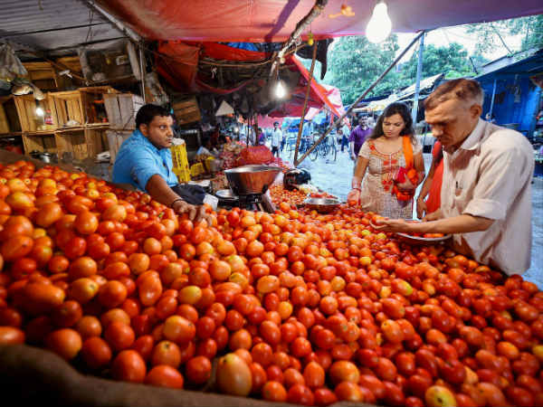 Onion and Tomato prices rise as supply falls