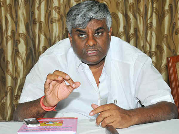 Deve Gowda And Hd Kumaraswamy Will Decide On Prajwal S Candidature In Upcoming Polls Says Revanna