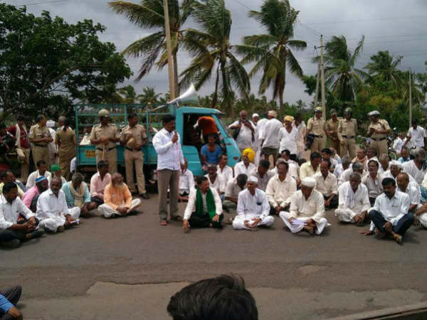 Mahadayi issue: More than 400 farmers have gathered outside the BJP headquarters in Malleshwaram