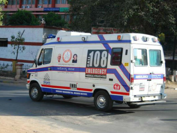 Pregnant Lady deliver baby in Ambulence
