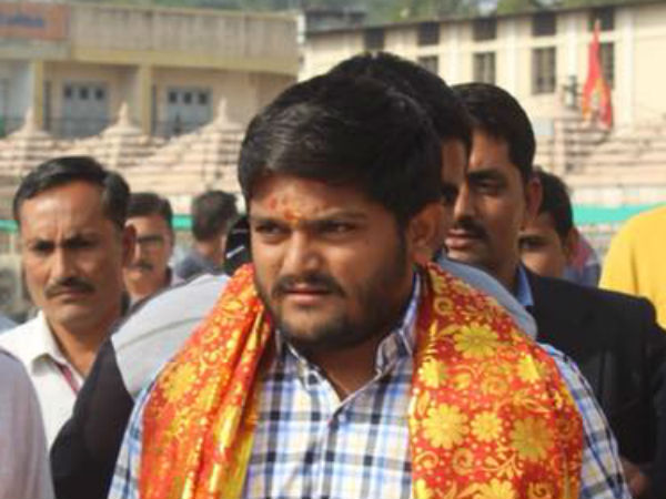 Ahmedabad Collector Rubbishes Hardik Patel S Claims Of Evm Tampering