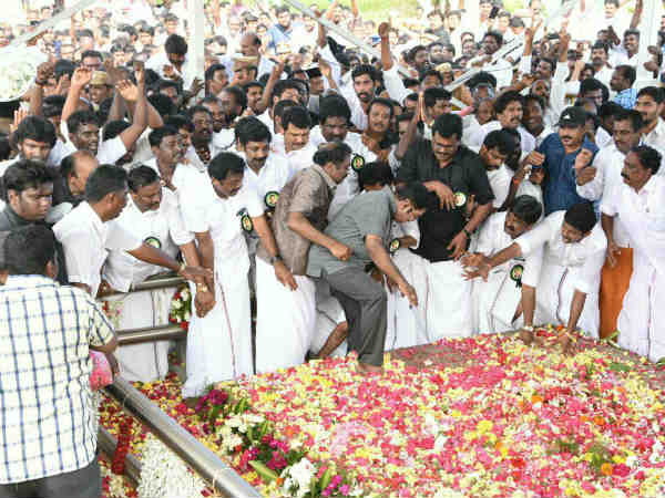 TTV Dinakaran almost fell on Jayalithaa samadhi