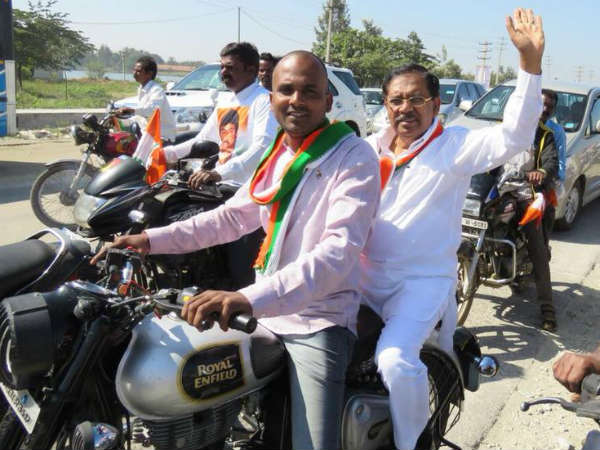 Congress rally and bike jatha in Kolar: Congress leaders driving and traveling the bike without helmet