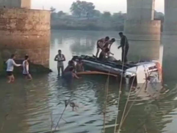 Rajasthan: 30 dead, 15 injured after bus falls into Banas river in Sawai Madhopur's Dubi