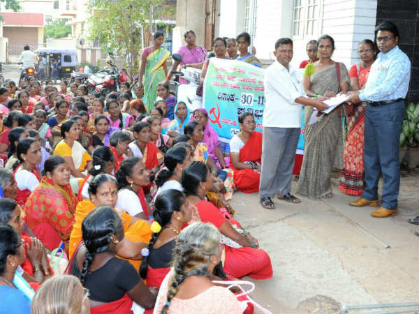 Anganawadi workers opposes joint account with BVS