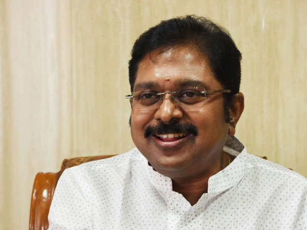 AIADMK cracks whip against Dhinakaran loyalists, expels 44 from party