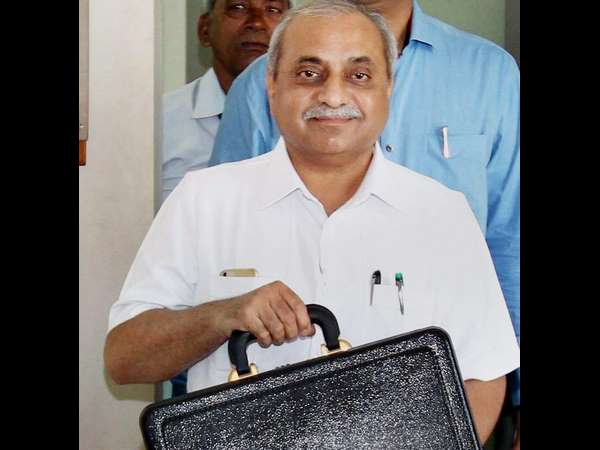 Nitin Patel Denies His Resignation Rumours