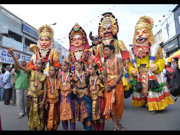 Colorful Open Street Festival Kick Starts In Mysuru