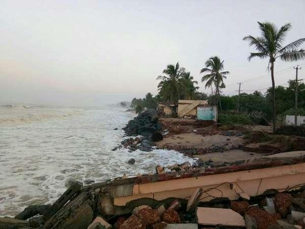 In Pics Ockhi Cyclone Effect Sea Erosion In Mangaluru