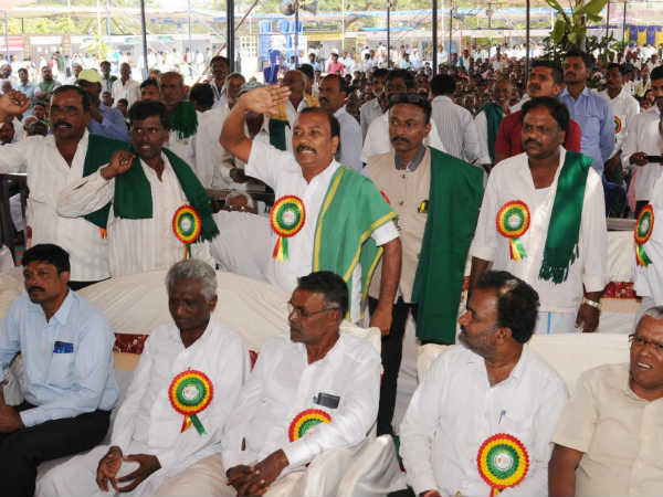 Farmers angry on minister Dr HC Mahadevappa
