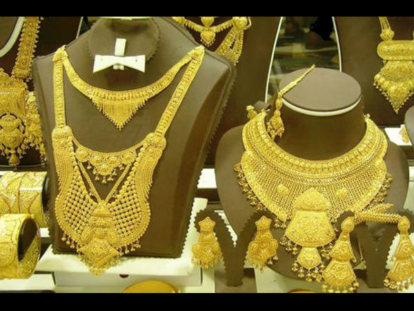 Gold at Rs 31,450 touches 14-month high
