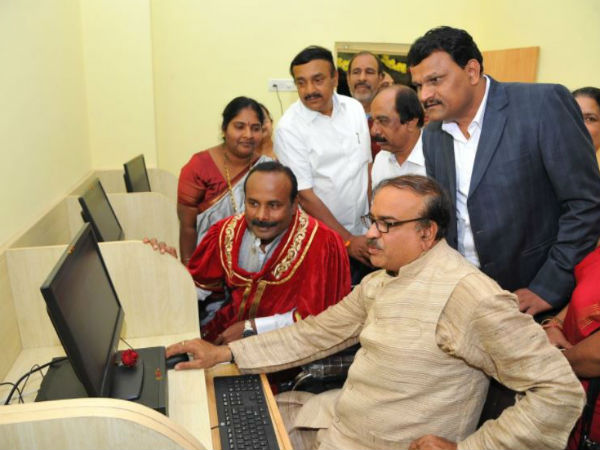 Union Minister Ananth Kumar Assures Rs 1 Crore E Libraries For Bbmp Wards