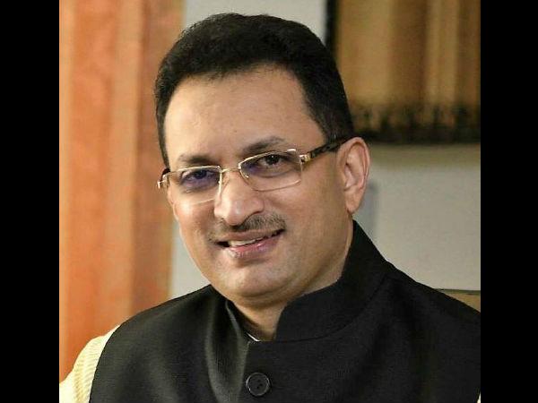Why Central Minister Anantakumar Hegde Silent In Belagavi