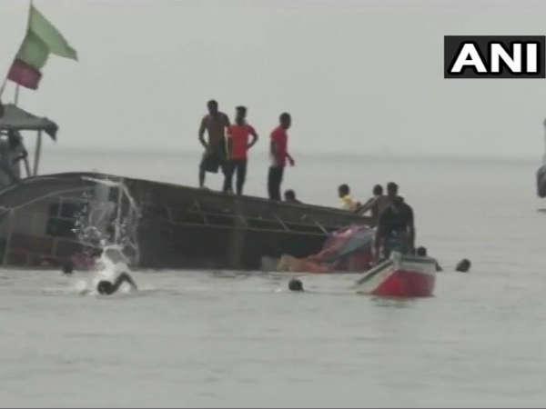 A Boat Capsizes In Maharashtras Dahunu Many Students Dead