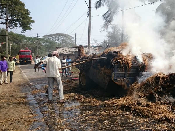 Electricity wire causes burn tractor