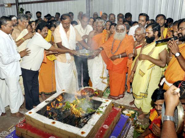 ನೂರು ಟನ್ ತೂಕದ ಕೊಟ್ಟೂರೇಶ್ವರ ರಥ ಉತ್ಸವಕ್ಕೆ ಸಿದ್ಧ
