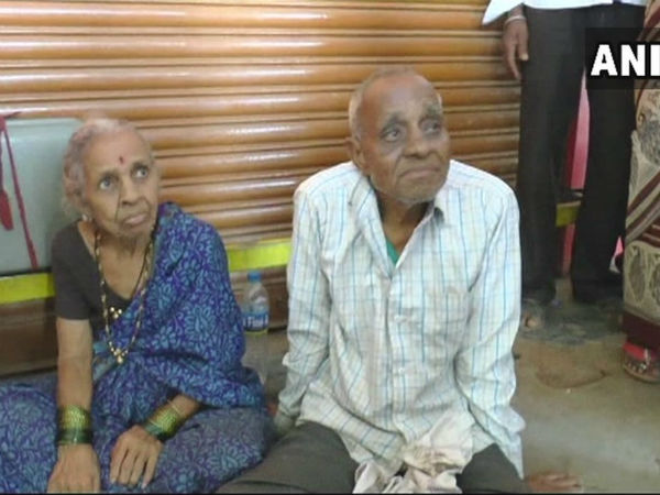 Karnataka: Aged couple forced to stay at Hubballi bus stop