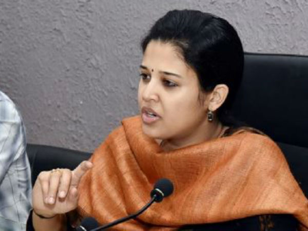 Hassan : Public demand Government not to tranfer DC Rohini Sindhuri