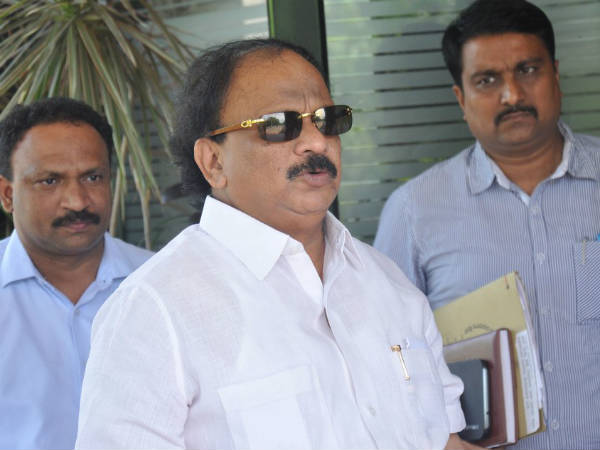 Enforcement Directorate issues notice to Karnataka minister Roshan Baig for FEMA violation