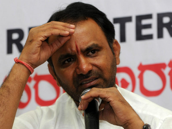 Minister Santhosh Lad sent people to Congress rally