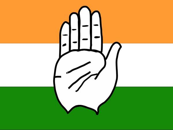 Congress worker hand cut during clash in Gowribidanur