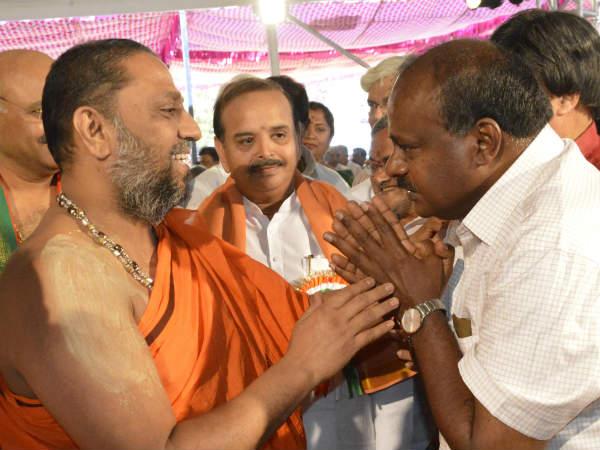 Kumaraswamy Assures 100 Crores Brahmins If He Comes To Power