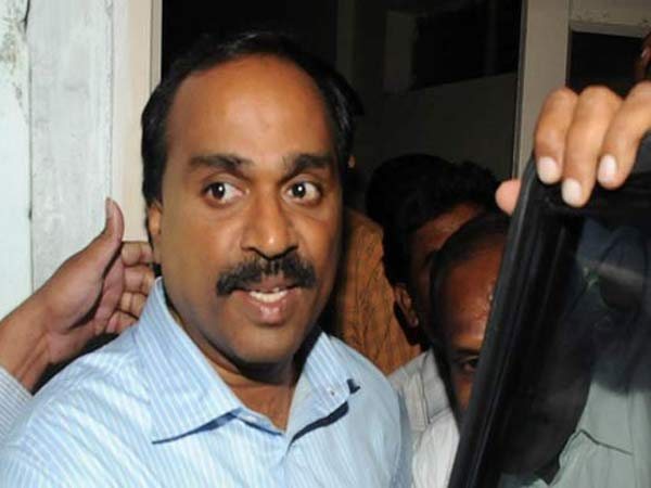 Theft in former minister G Janardana Reddy father in law's house