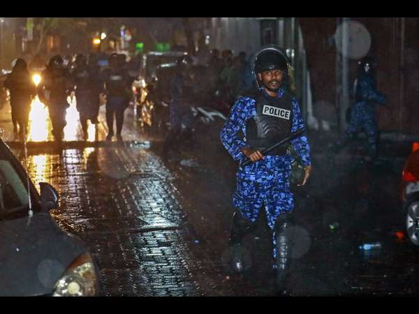 Indian and British journalists arrested in Maldives