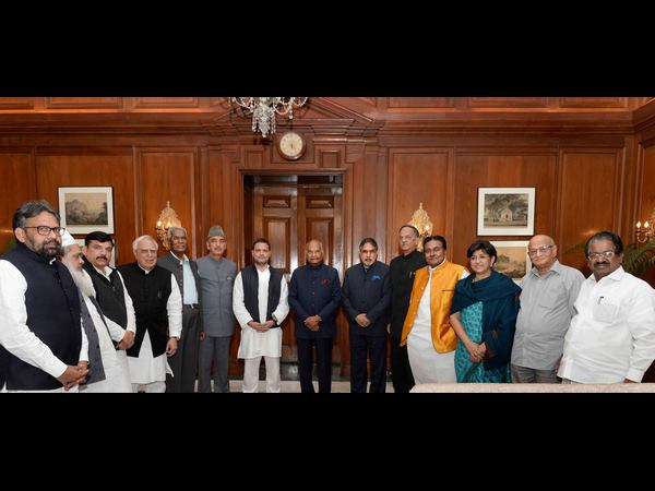 Opp MPs meet president, ask for SIT into Loya's death