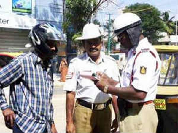 Traffic Cops To Accept Vehicle Papers On Digilocker App Now