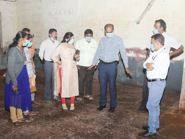 Mysuru DC Randeep inspects site to keep EVMs and VVPAT.