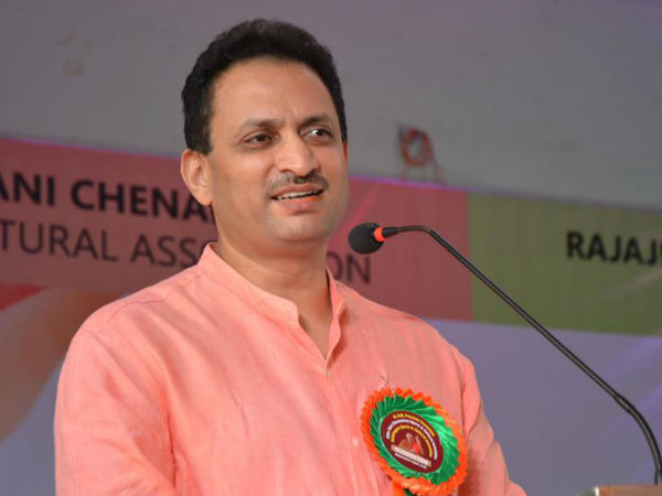 Angry Woman Questions Union Minister Anant Kumar Hegde